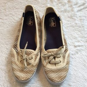 COPY - Women's Keds Shoes Size 8 (1)